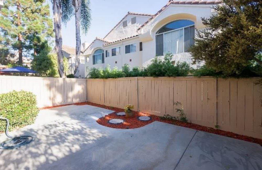 5574 Renaissance Ave # 2, San Diego, CA 92122