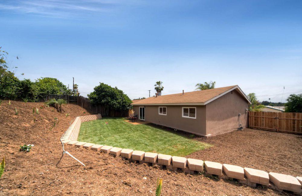 1112 Louie Pl, Vista, CA 92084