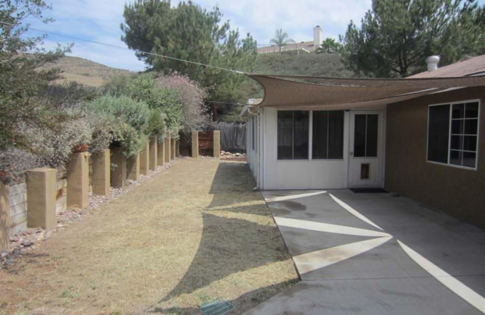 10050 Via Francis, Santee, CA 92071