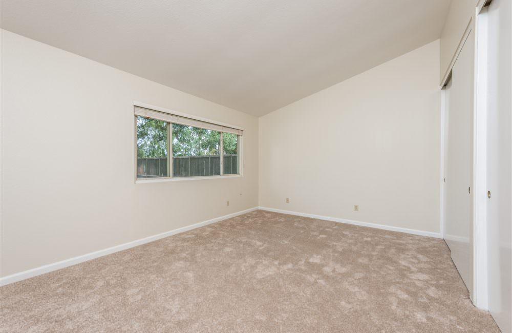14211 Woodcreek Rd, Poway, CA 92064
