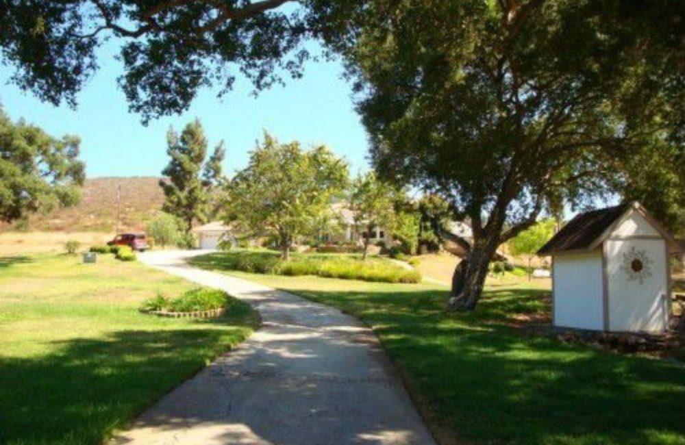 20165 Questhaven Rd, Escondido, CA 92029