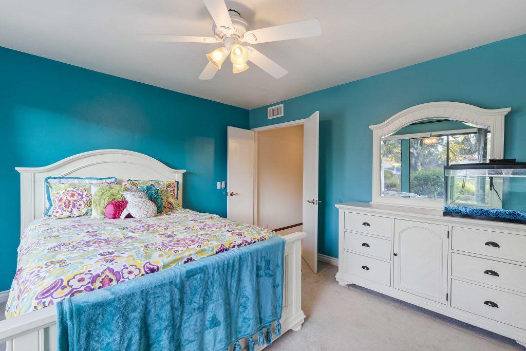 13227 Valle Verde Terrace, Poway, CA 92064