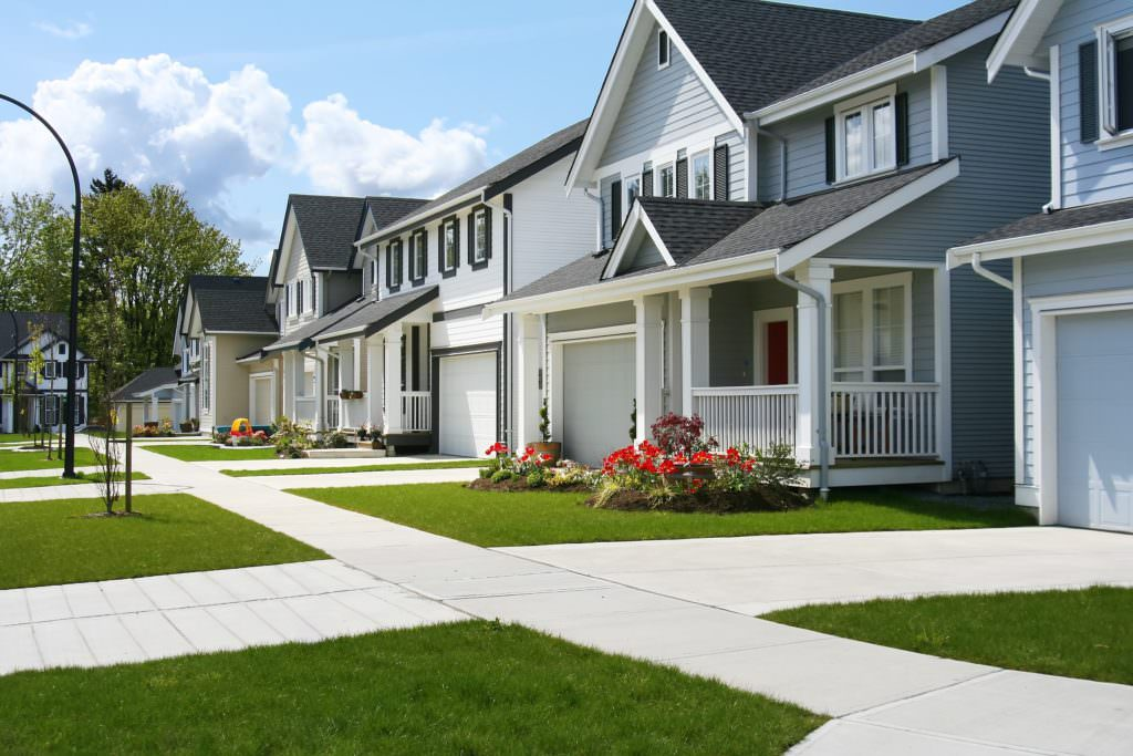 Home Buyers: Should You Buy a House, Condo, or Townhome?